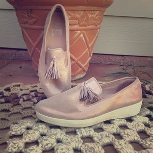 Fitflop pink shoes. NWT size 9